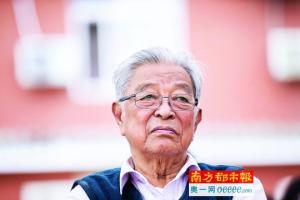 """从""""烟王""""到""""橙王"""" 88岁褚时健不言退"""